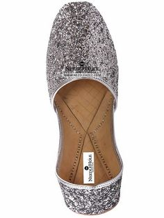 Pakistani khussa slippers in silver color in Qatar. Shop online Indian malai khussa & Multani khussa footwear at best price and worldwide delivery