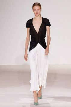 Victoria Beckham  #VogueRussia #readytowear #rtw #springsummer2018 #VictoriaBeckham #VogueCollections