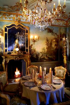 beautiful dining...