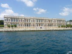 Estambul. Crucero por el Bósforo. Palacio de Dolmabahçe.