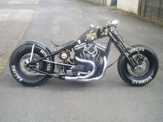 The ghetto blaster, a Harley bobber by Sledhead. Vintage Motorcycles, Custom Motorcycles, Custom Bikes, Custom Cycles, Custom Baggers, Bobber Bikes, Bobber Motorcycle, Steampunk Motorcycle, Honda