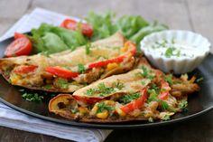 Quesedilla med kylling og pesto A Food, Food And Drink, Fresh Rolls, Pesto, Chicken, Ethnic Recipes, Cubs, Kai