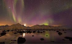 Somnul sub cerul liber ...aaa sub Aurora Boreală | momomdo Descoperă Northern Lights Norway, See The Northern Lights, Places In Europe, Places To See, Land Of Midnight Sun, Norway Travel, Tromso, Lofoten, Aurora Borealis