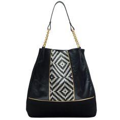 Découvrez les pochettes et sacs à main de Paulette et Simone. Une collection de sacs raffinés, faits dans leur atelier à Paris . Boutique en ligne.