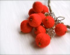 Felt necklace Berries - Handmade- Felt necklace -Floral accessories -  Red berries