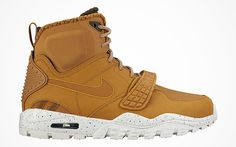 huge discount 6cc89 a72c4 Nike Air Trainer SC 2 Sneakerboot  Sole Collector Fashion Shoes, Mens  Fashion, Adidas