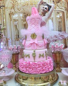 Ballerina Birthday Parties, Ballerina Party, Birthday Cake Girls, Birthday Diy, Ballet Cakes, Ballerina Cakes, 1st Birthday Centerpieces, Tutu Cakes, Family Cake