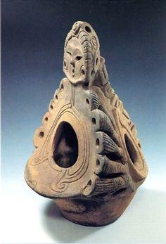 「人面香炉形土器」(じんめんこうろがたどき) Ancient Aliens, Ancient Art, Jomon Period, Fork Art, Native Design, Ceramic Techniques, Vikings, Art Case, Clay Figures