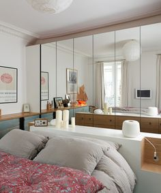 Mirrored wardrobes and central bed Cozy Bedroom, Bedroom Decor, Bedroom Ideas, Interior Architecture, Interior Design, Inside Design, Cozy House, Home Renovation, Furniture Makeover