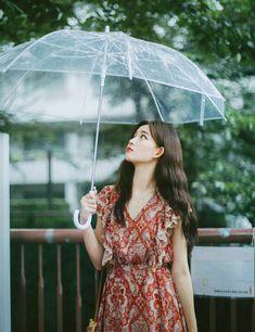only paisley flower dress Korea Fashion, Asian Fashion, Runway Fashion, Fashion Models, Women's Fashion, Face Angles, Modern Fashion Outfits, Paisley Flower, Photoshoot Concept