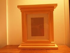 The Quaint Cottage: Simple Wooden Molding Picture Frame