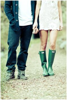 Wedding Advice: What should you do if your fiance wants to invite his/her Ex to the wedding? Parisienne Chic, Casual Engagement Outfit, Engagement Photos, Green Rain Boots, Green Wellies, Style Me, Cool Style, Burberry, Fashion Couple