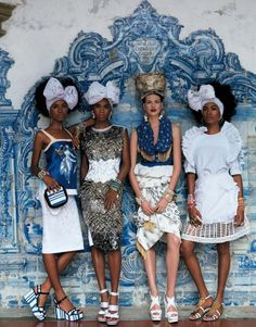 BLUE DELFT style Bette Franke photographed by Giampaolo Sgura for Vogue Japan, April 2013 Vogue Japan, Vogue Brazil, Brazil Brazil, African Inspired Fashion, Africa Fashion, Moda Fashion, High Fashion, Street Fashion, Fashion Wear