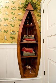 You can make boat bookcase - 13 DIY Repurposed Boats Ideas.cute for a cottage Boat Bookcase, Boat Shelf, Wooden Canoe, Wooden Boats, Garden Shelves, Design Jardin, Old Boats, Design Moderne, Custom Woodworking