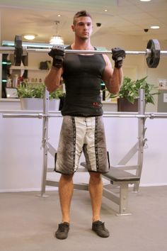 Bicepsz állva rúddal