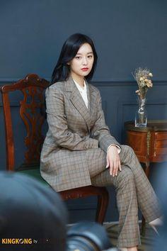 [배우 김지원] 홍보요정과 함께한 DAY☆ : 네이버 포스트 Korean Actresses, Actors & Actresses, Nice Dresses, Girls Dresses, Kim Ji Won, Photography Poses Women, Korean Artist, Asian Woman, Asian Beauty