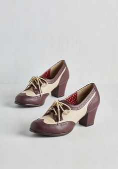 Very 1940s style two toned shoes. Oxford Comment Heel in Maroon $73.99 AT vintagedancer.com
