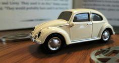 VW Beetle key chain with key