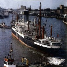 Blue Funnel Line's Calchas at the East Float, Birkenhead. Merchant Navy, Merchant Marine, Liverpool Docks, Tug Boats, Tall Ships, Water Crafts, Sailing Ships, Titanic Poster, Liverpool Cathedral