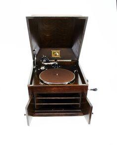 Antique HMV 1920 Wind-Up Gramophone in Oak Case