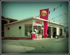 This style station from the replaced by the ranch style building in the early - looks a lot like our Egelton Shell Station