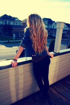 wish my hair was longer cuz this is what is would look like cuz my hair is wavy like that.