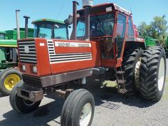 Hesston 160-90 Turbo tractor with duals