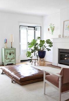 A Portuguese Rental Home Is Effortlessly Elegant: gallery image 3