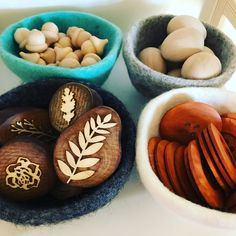 Buttons, eggs, acorns Acorn, Eggs, Mindfulness, Buttons, Cookies, Education, Desserts, Food, Crack Crackers