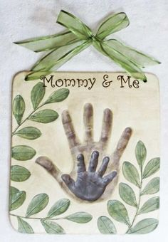 Mommy & Me DIY Handprint Idea!