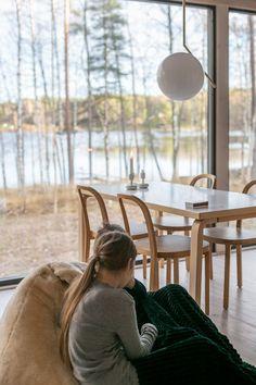 mökkeily Archives - Modernisti kodikas Cottage, Cabin, Curtains, Summer, Home Decor, Blinds, Summer Time, Decoration Home, Room Decor