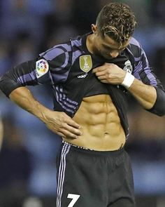 Cristiano Ronaldo Miss: Real Madrid star admits he's human after freak blunder last night - Football Cristiano Ronaldo 7, Ronaldo Cr7, Cr7 Messi, Messi Soccer, Ronaldo Real Madrid, Ronaldo Shirtless, Cr7 Junior, Sport Man, Soccer Players