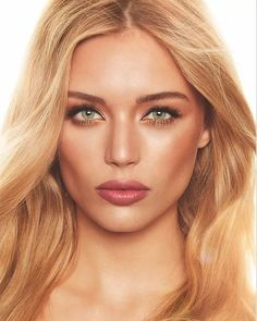 Pin for Later: Charlotte Tilbury Just Created Your Dream Fragrance and Eye Shadow Palette The Dreamy Look Girl Natural Wedding Makeup, Wedding Hair And Makeup, Natural Makeup, Bridal Makeup For Green Eyes, Natural Beauty, Summer Makeup, Wedding Makeup Redhead, Beach Makeup, Simple Makeup