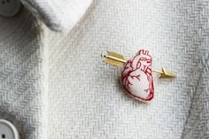 "Broche ""Crush"" I HAVE THAT PIN. I could make this. :)"
