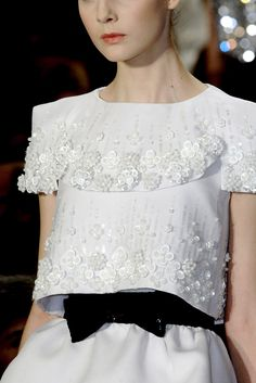 girlannachronism:  Chanel spring 2009 couture details