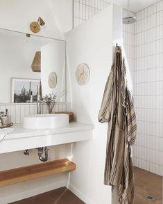 my scandinavian home: A Relaxed Tucson Home In Sun Kissed, Earthy Tones Scandinavian Bathroom, Scandinavian Home, Tucson, Style Minimaliste, Tadelakt, Inviting Home, White Backdrop, Bathroom Inspiration, Bathroom Ideas