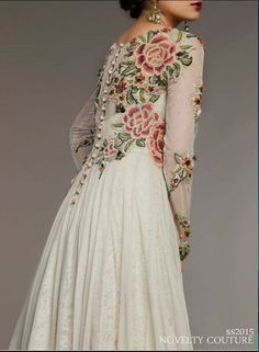 This would be a wonderful wedding dress (if I were getting married, which I definitely will never do again!) Pakistani ensemble by Fahad Hussayn Couture. Pakistani Outfits, Indian Outfits, Ethnic Fashion, Asian Fashion, Pretty Dresses, Beautiful Dresses, Pakistan Fashion, Desi Clothes, Indian Attire