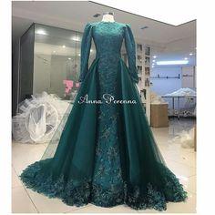 Abiye Tesettür - Wedding and Gowns Indian Wedding Gowns, Asian Wedding Dress, Classic Wedding Dress, Bridal Dresses, Prom Dresses, Formal Dresses, Muslimah Wedding Dress, Hijab Style, Princess Outfits