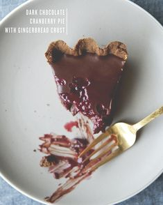CRANBERRY TRUFFLE PIE // The Kitchy Kitchen