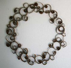 alisaburke: Recycled Wreath Tutorial
