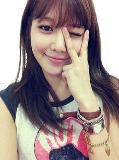 She so pretty! What is selca? Sooyoung Snsd, Kim Hyoyeon, Girl Day, My Girl, Cool Girl, Celebs, Celebrities, Korean Women, Girl Crushes