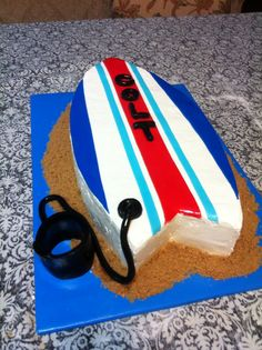 Surfboard cake Surfboard Cake, Surf Cake, Birthday Cakes, Birthday Ideas, Birthday Parties, Surfer Party, Sup Yoga, Yoga For Kids, Surfboards