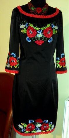 Вишите плаття прямий крій