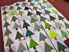 to make a tree quilt like this.need to make a tree quilt like this. Christmas Tree Quilt Block, Christmas Quilt Patterns, Christmas Sewing, Noel Christmas, Christmas Quilting, Christmas Crafts, Christmas Tables, Purple Christmas, Coastal Christmas