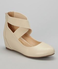 Nude bobby flat // love these shoes!