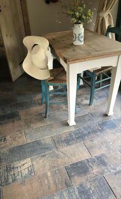 Wood Effect Floor Tiles, Wood Floor Colors, Wood Stain Colors, Diy Wood Stain, Diy Wood Floors, Diy Flooring, Reclaimed Barn Wood, Rustic Wood, Distressed Wood Floors