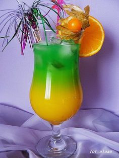 Ala piecze i gotuje: Pomarańczowe zauroczenie Cocktails, Party Drinks, Cocktail Recipes, Smoothie Drinks, Healthy Smoothies, Irish Cream, Keto Diet For Beginners, Hurricane Glass, Orange