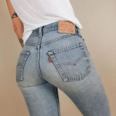 """Vintage Booty Firming Levi Skinny Jeans 🌸 Size: // 🌸 Flaws: none ! ⛔️ (please read tag on the last photo, """"SuperLow"""")⛔️ Levi's Jeans Skinny Outfit Jeans, Jeans Levi's, Mode Jeans, All Jeans, Girls Jeans, Denim Pants, Ladies Jeans, Plaid Pants, Hollister Jeans"""