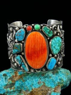 Sterling Silver Bracelets Navajo Sterling Silver Spiny Oyster and Turquoise Picasso Cuff Bracelet - Darryl Becenti was born in Gallup, NM in He was trained by his brothers-in-law, David and Leroy Reeves. Darryl also does sand painting as well as penci. Silver Jewelry Box, Turquoise Jewelry, Gold Jewellery, Designer Jewellery, Jewelry Necklaces, Jewellery Shops, Prom Jewelry, Garnet Jewelry, Turquoise Cuff
