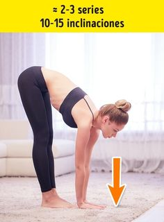 7 Effective Exercises to Get Rid of Folds on Your Back and Sides. We often forget our backs simply because we cannot see it. We don't realize how we relax, depriving our muscles of physical activity. Pilates Video, Back Muscles, Tone It Up, Physical Activities, Physical Exercise, Excercise, Personal Trainer, Health And Beauty, Cardio